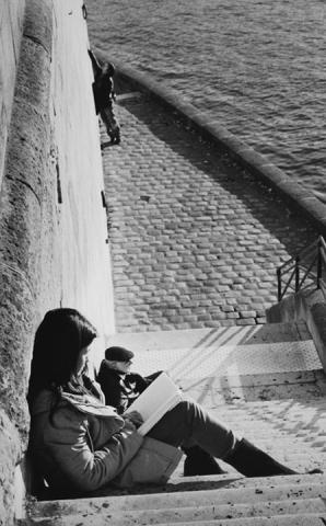 Scene by the Seine
